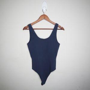 Wilfred Tops - ✨NWOT✨Aritzia Wilfred Free leila bodysuit